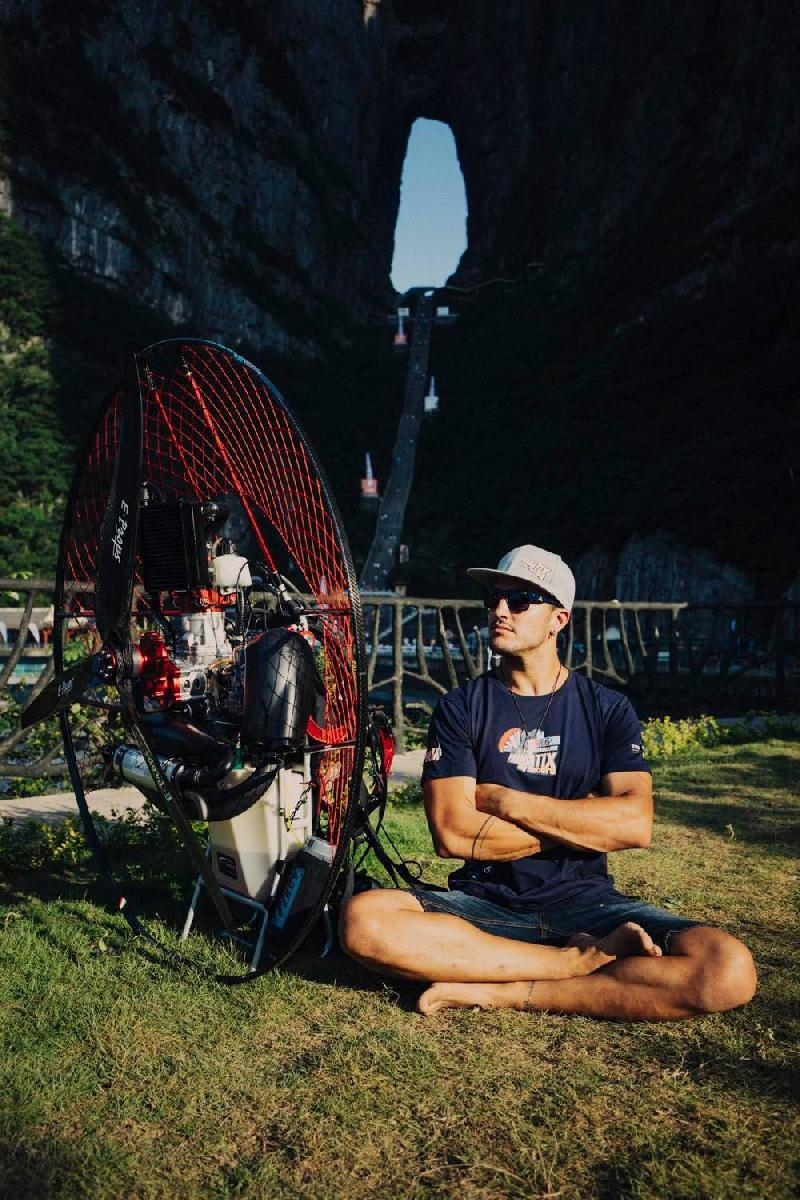 PARABATIX CHINA,  THE HEAVEN'S GATE PARAMOTOR AIR GAMES